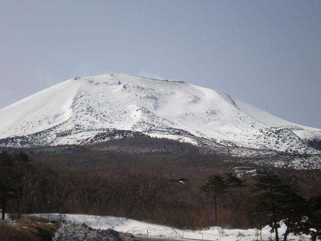 すっぽんパワーみなぎる2人は、雪の残る浅間山と軽井沢へ繰り出した。