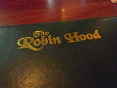 バンコク Sukhumvit Soi 24 フジスーパーすぐ近く イングリッシュパブ ロビンフット The Robin Hood に行ってきました。