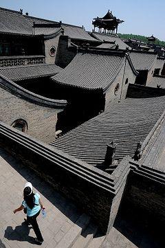 ★山西省一人歩き(5)晋商の豪邸を見て回る。王家大院+双林寺
