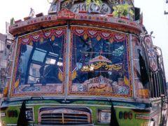 PAKISTAN (パキスタン)入国物語 <LAHORE(ラホール)でパキ・バス・デビュー!>