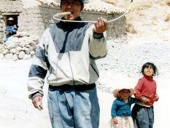 BOLIVIA/POTOSI(ボリビア・ポトシ)の露天でダイナマイトを買って、鉱山に行くと・・・