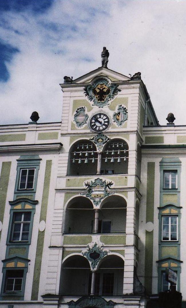 ウィーンへ向かう途中グムンデンで昼食です。<br />写真はありませんが、この時食べた極太シュパーゲル(ホワイト・アスパラガス)は本当に美味しかった。