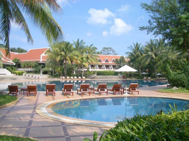 サムイ島 メナムビーチにある5つ星ホテル<br />サンティブリ デュシット リゾート (Santiburi Dusit Resort)でサムイのリゾートを満喫<br />特にスパはすばらしい<br /><br />この滞在後の<br />2004年9月以降はオーナーが変わり「Santiburi Resort」として独自の経営をしている様子。<br />