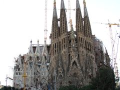 子連れ旅行 バルセロナ市内観光1 <ガウディの作品で刺激!?>