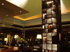 やっぱり良いなぁ~バリ島♪ 一人旅 8日間 ⑪。。。 セントレジス バリ (2009/11) / 「 Kayu Puti 」でランチ&ディナー / 「 King Cole Bar 」 。。。