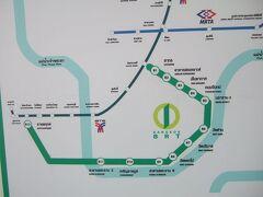 13日曜午前BRT高速バスでサトーンからラチャダピセークまで