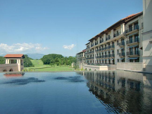 私の長男が福島県に住んでおり、所用があったので妻と息子の3人でエクシブ那須白河に1泊してきた。エクシブ那須白河はヨーロッパのゴルフクラブを想わせる洗練されたリゾートホテルで、ゴルフをしなくても快適に滞在できる。<br />写真:ラウンジからの眺め<br /><br />私のホームページ『第二の人生を豊かに―ライター舟橋栄二のホームページ―』に旅行記多数あり。<br />(新刊『夢の豪華客船クルーズの旅』案内あり)<br />http://www.e-funahashi.jp/<br /><br />