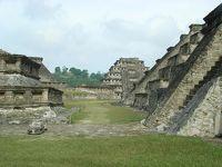 メキシコ高原の旅(7日~8日目 神秘的な窓のあるピラミッド)