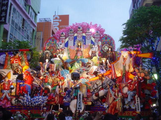 青森の祭りと言えば青森ねぶた、弘前ねぷた、五所川原たちねぷたが有名ですが、八戸三社大祭も290年の歴史がある、勇壮な山車祭りです。