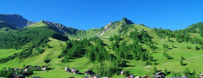 リヒテンシュタイン、オーストリア山満喫...
