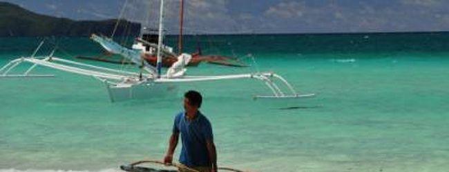 ボラカイ島!まさに真っ白なビーチと青い...
