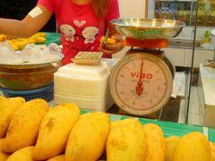 マンゴーとマンゴスチンでビタミン補給  @バンコク