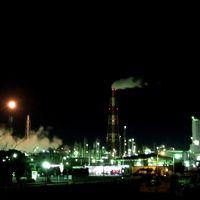 思いつきで訪ねる、夜空に煌めく四日市の工場夜景