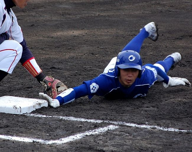 今年の社会人野球日本選手権は、1回戦が地方球場での開催となり、日立市民、岡崎市民、わかさスタジアム、倉敷マスカットでの開催。<br />岡崎では、三菱重工横浜VS王子製紙の因縁のカード。都市対抗に続く再戦となりました。<br />我らが松井の三菱横浜、そして、西武ライオンズドラフト6位指名を受けた熊代のいる王子製紙。<br />楽しみな対戦となりました。<br /><br />雨の中、横浜を出発して、浜松を経由して30日(土)は雨で中止。試合は31日に開催されました。