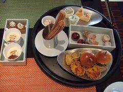 [With Baby] Afternoon Tea @ Four Seasons Hotel Tokyo at Marunouchi