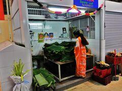 2 ディーパバリを間近に控えたシンガポールのインド人街でチャパティを食べてみる。