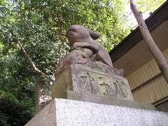 狛犬ならぬ「狛ウサギ」がいる調(ツキノミヤ)神社