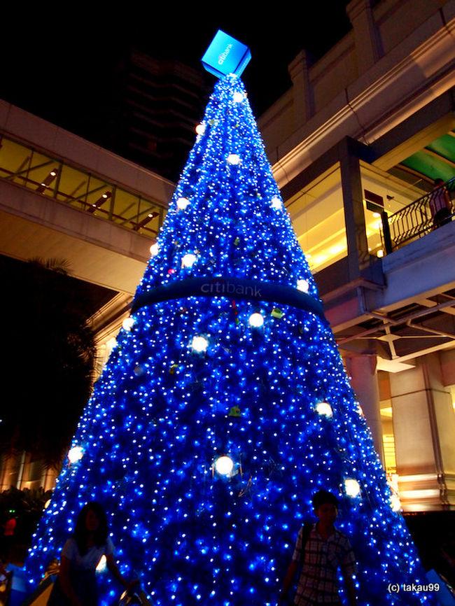バンコクの2010年クリスマスイルミネーションを集めてみました。<br /><br />エラワンバンコク<br />アマリンプラザ<br />インターコンチネンタルバンコク<br />エンポリアム<br />サイアムパラゴン<br />サイアムディスカバリー<br />MBK(マーブンクロン)<br />セントラルワールド<br />ゲイソーン<br /><br />一押しはサイアムパラゴンですね。