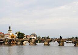 Czech プラハの休日② モルダウ川とカレル橋 ~ミツバチばあやの冒険~