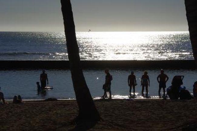 羽田空港から水曜日夜22時30分に出発するJALホノルル行きを使って木・金2日間の休みで月曜には出社可能な日曜22時帰国便でワイキキ家族旅行にチャレンジしてきました。今まではハワイ島やマウイ島の帰りに立ち寄っていたハワイですが今回はオアフ島の魅力を探しに出かけます。