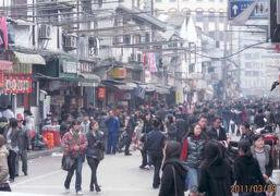 上海の江西北路・小吃街・2011年・1/2