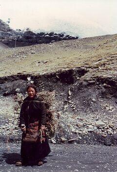 ★ちょっと昔の中国とネパール(2)チベット自治区、ラサからシガツェまで