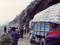 ★ちょっと昔の中国とネパール(3)チベット自治区からネパールへの国境越えはへヴィだった(11・04再編)