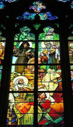 中欧3都市周遊の旅プラハ(4)ルドルフ2世の驚異の世界を思いながらプラハ城を彷徨い、聖ヴィート教会のムハのステンドグラスに感動する。