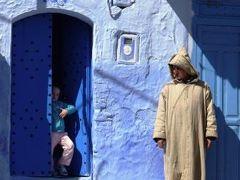 モロッコ・シャウエン:おとぎの世界で魔法使いに出会う