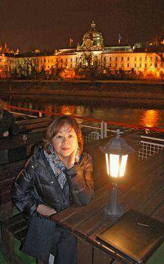 中欧3都市周遊の旅プラハ(10)プラハの夜景散歩で妻の誕生日プレゼントにガーネットを買い求め、ヴルタヴァ川のディナークルーズを楽しむ。