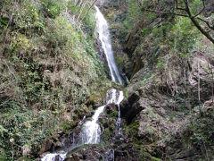 肱川上流の『白滝公園』(大洲市)◆2011春・愛媛県の滝めぐり【その3】