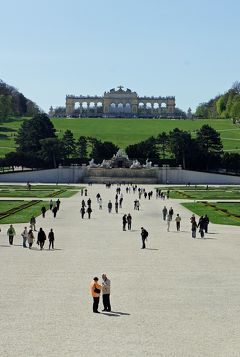 中欧3都市周遊の旅ウィーン(12)シェーンブルン宮殿からグロリエッテまで散歩して、動物園と日本庭園とパルメンハウスを楽しむ。