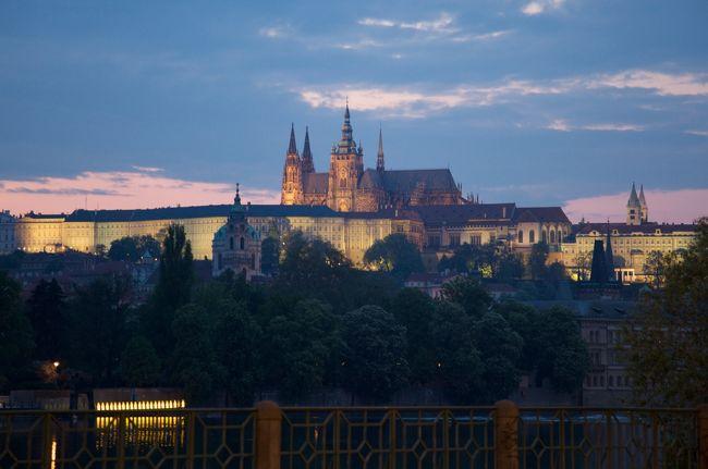 今回の旅の最終目的地、プラハ。期待と想像以上に素敵な街でした。