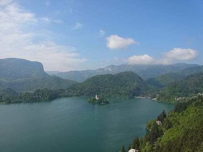 クラブツーリズム<br />陽光輝くクロアチア・スロベニア8日間<br />ツアー24名<br /><br />1日目<br />ひたすら移動<br /><br />2日目<br />午前:ブレット湖、聖マリア教会、ブレット城<br />