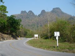 ★バイク旅・2011★ チェンマイでドタバタ (3) 静かな町・ファーン