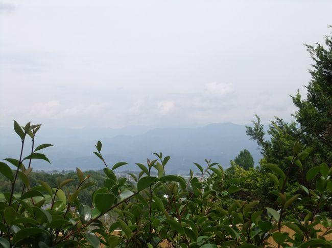 天気が良ければ駒ケ岳へ登ろうと思い、出かけましたがあいにくの雨模様。<br />駒ヶ根周辺をドライブして、その後たかもり温泉「御大の館」へ