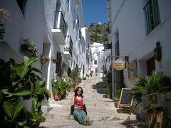 フリヒリアナ_Frigiliana 眩し!『スペインで最も美しい村(美しく飾る村)』は今も健在