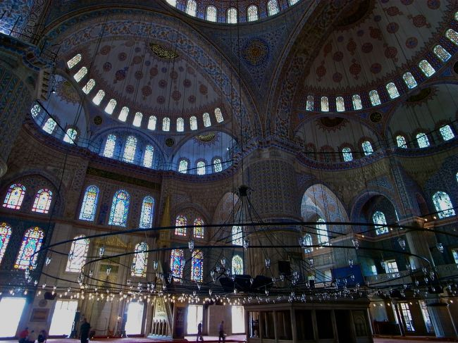 トルコを巡る旅、最終はイスタンブール3泊で〆ます。<br />移動が多い旅だったのでお疲れモード。<br /><br />そしてイスタンブールの渋滞と排気ガスとクラクションに嫌気がさす旦那。<br />険悪ムードただようイスタンブール編。<br />