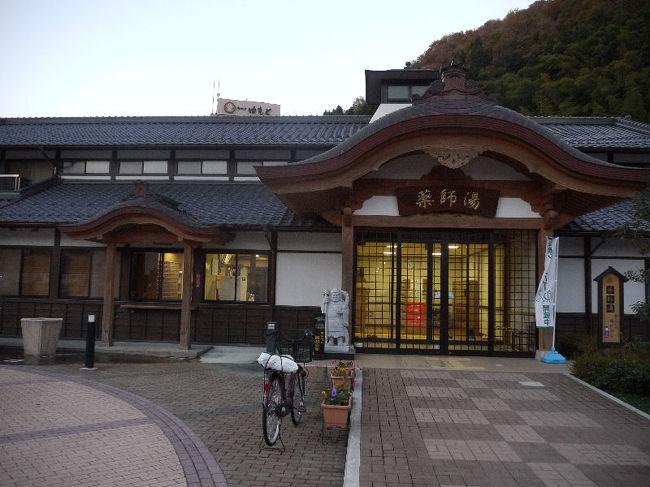 浜坂で食事をしたあとは、湯村温泉に向かい、湯村温泉の公衆浴場である薬師湯に入りました。<br /><br />なお、このアルバムは、ガンまる日記:湯村温泉(1)[http://marumi.tea-nifty.com/gammaru/2011/07/post-6594.html]とリンクしています。詳細については、そちらをご覧くだされば幸いです。