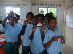 ポートヴィラの小学校訪問から始った