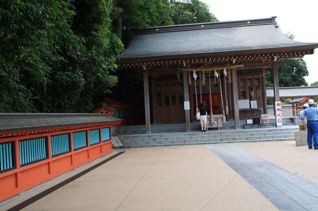 仕事で職場の防災などもやっておりまして、3月11日以来本当に東京湾内には津波被害がないと考えていいのか?と色々考えておりました。そうしたら近くにある金沢区の「富岡八幡宮」は波除八幡の異名があることが分かり、休日に散歩がてら富岡八幡宮を詣でて、金沢区の旧来の陸地と海の狭間を歩いて来ました。<br /><br />