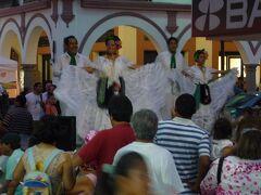 港町ベラクルスでHuachinango a la Veracruzana(鯛のベラクルス風)を食す