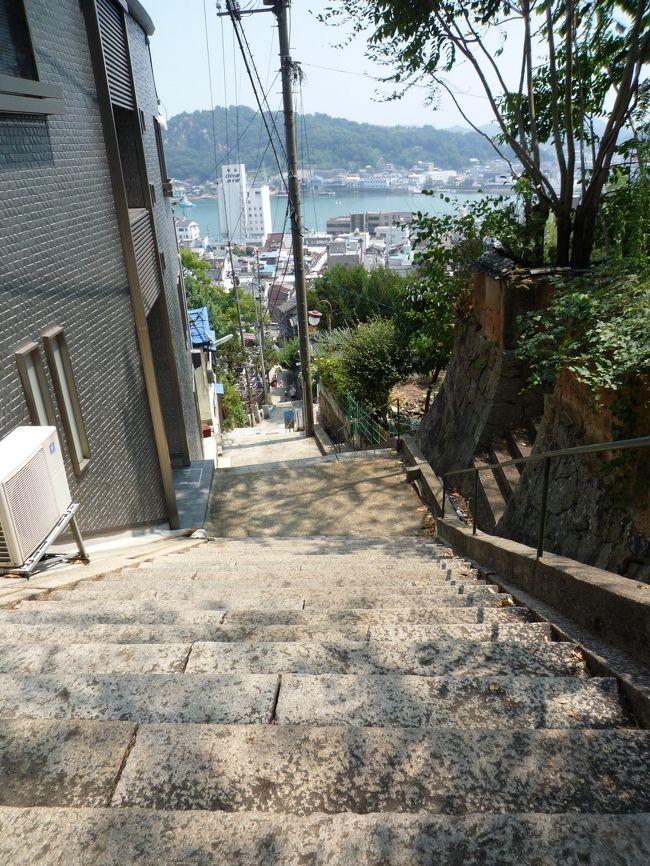 18きっぷで一人旅、2回目の行き先は尾道にしました。<br />広島は広島市内しか行ったことがなかったのでわくわくです。<br />猛暑の中歩いてきました。<br />
