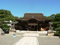 日本の旅 関西を歩く 京都、伏見区下鳥羽の城南宮(じょうなんぐう)拝殿周辺