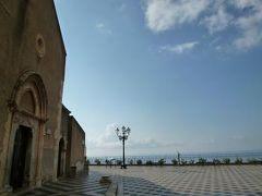 16日間の美食とビーチバカンスのシチリア!Vol4(第2日目午前) ☆タオルミーナ観光:メッシーナ門から4月9日広場まで散策♪