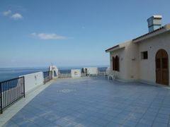 16日間の美食とビーチバカンスのシチリア!Vol16(第3日目午後) ☆エオリエ諸島:リパリ 絶景のホテル「Hotel Carasco」のジュニアスイートルームとプール♪