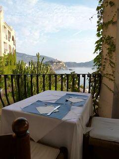 16日間の美食とビーチバカンスのシチリア!Vol27(第5日目朝) ☆エオリエ諸島:リパリ島(Lipari)とヴルカーノ島(Vulcano) リパリ「Hotel Carasco」で素敵な朝を迎えて温泉の島ヴルカーノへ♪