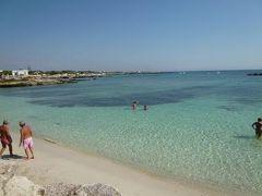 16日間の美食とビーチバカンスのシチリア!Vol51(第8日目午後) ☆エガディ諸島:ファヴィニアーナ島(Favignana) ファヴィニアーナの美しいビーチ「Puntazza」で優雅に過ごす♪