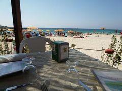 16日間の美食とビーチバカンスのシチリア!Vol57(第9日目昼) ☆エガディ諸島:ファヴィニアーナ島(Favignana) ファヴィニアーナの美しいビーチ「Lido Burrone」で素敵なランチタイム♪