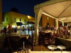 16日間の美食とビーチバカンスのシチリア!Vol61(第9日目夜) ☆エガディ諸島:ファヴィニアーナ島(Favignana) ファヴィニアーナのマドリーチェ広場(Madorice)で一番の人気トラットリア「Due Colonne」の絶品パスタを頂く♪